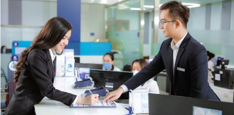 Đăng ký mở thẻ tín dụng Shinhan Bank tại văn phòng giao dịch