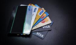 Thẻ visa là gì? Dùng thẻ visa của ngân hàng nào là tốt nhất?