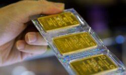 Năm 2021 có nên mua vàng để tiết kiệm không?