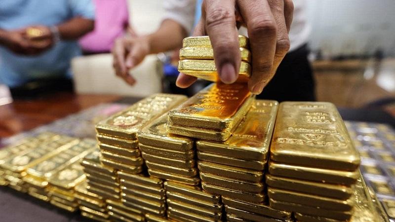 Lãi suất gửi vàng tiết kiệm được ngân hàng quy định tùy thời điểm