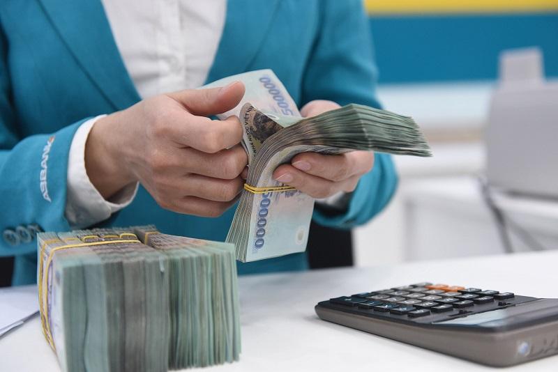 Nên quy đổi vàng thành tiền mặt để gửi tiết kiệm với lãi suất cao