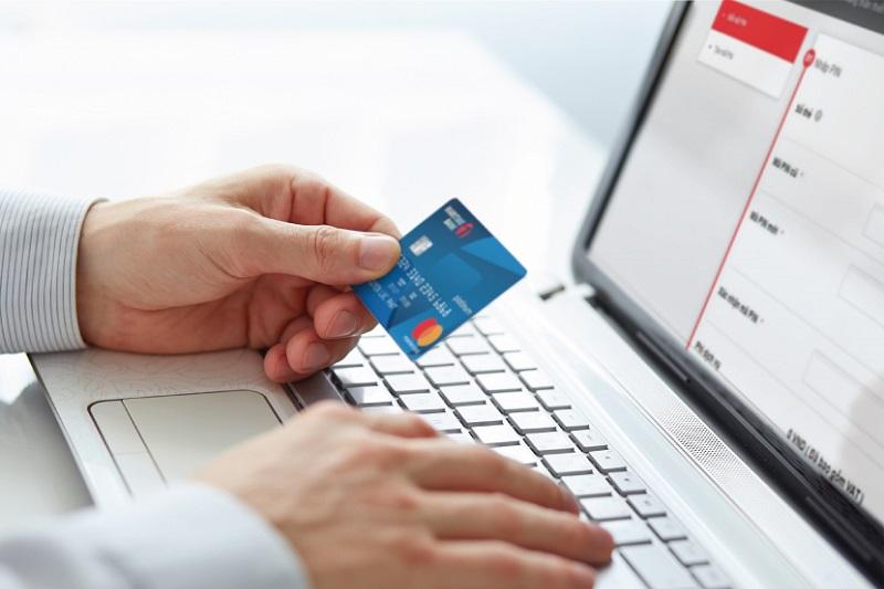 Đăng ký nhanh làm thẻ ngân hàng Techcombank nhanh chóng
