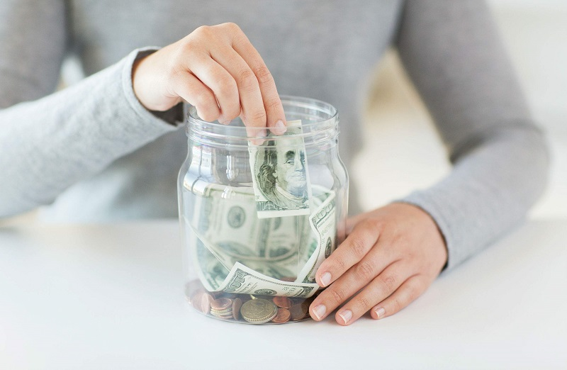 Gửi tiết kiệm ngân hàng là cách đầu tư ít rủi ro