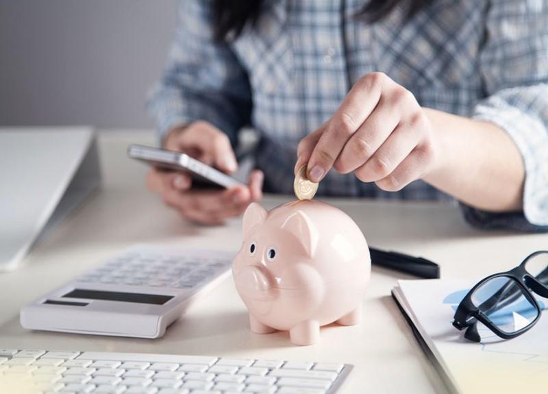 Theo cách tiết kiệm thông thường, khoản lãi thu về là rất ít nếu rút tiền trước hạn